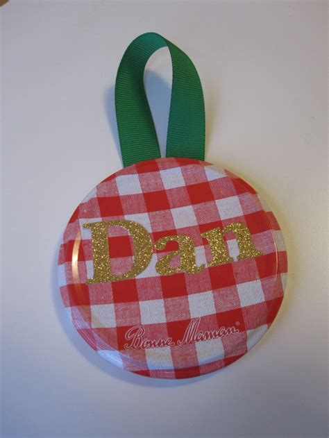 jar lid crafts jar lid ornaments i have tons of lids we ll have to try some of these christmas