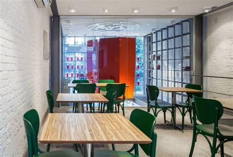 Restaurant Decor With Bright Colors   InteriorZine