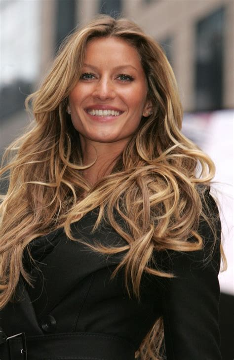 Hair Color Photos by Gisele Bundchen Hair Color Hair Colors Idea In 2019