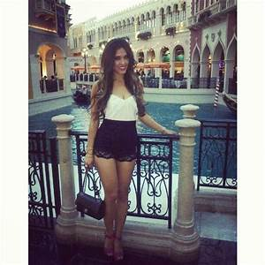 Her Outfit simple and perfect for a date boat ride at Venetian canu0026#39;t wait to be here with my ...