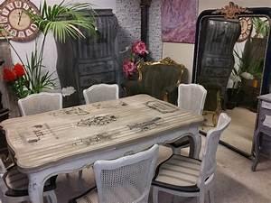 Chaise Moderne Avec Table Ancienne : les tables et chaises ~ Teatrodelosmanantiales.com Idées de Décoration