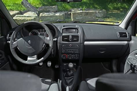 clio 3 rs interieur photo exterieur renault clio 2 rs trophy et photo interieur renault clio 2 rs trophy