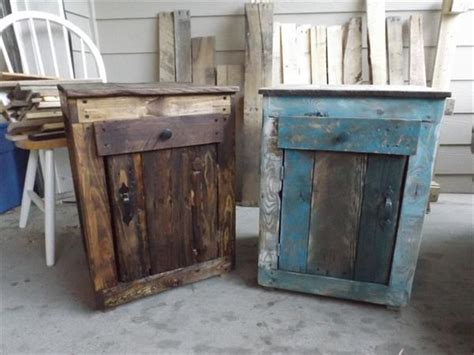Pallet Nightstand With Reclaimed Pallets! Diy Rc Car Led Lights Computer Raspberry Pi Toilet Drain Cleaner Light Stand Bag Circus Birthday Decorations Baby Winter Clothes Boy Shower Favors School Locker Shelves