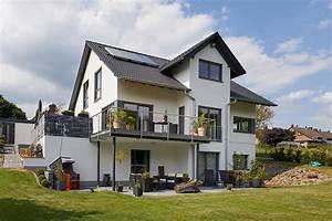 Ameisenplage Im Haus : haus in hanglage modell hellerberge exklusives fertighaus in hanglage haus hanglage modern ~ Orissabook.com Haus und Dekorationen