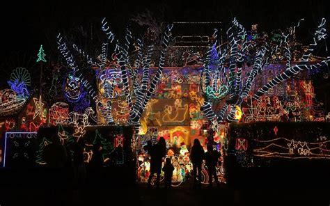 extravagant christmas light displays  houses telegraph