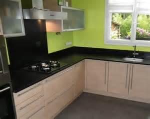 cuisine plan de travail de cuisine moderne fonc en granit