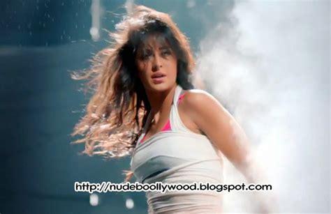 Katrina Kaif Shows Her Acrobatics In New Dhoom Song Teaser Justalaiyo