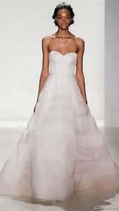 Simple wedding dress nyc simple plus size wedding dresses for Plus size wedding dresses nyc