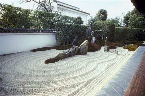 Backyard Sand by How To Landscape With Gravel Sand And Rock Home Guides