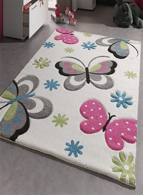 tapis de chambre fille tapis chambre enfant papillons creme de la collection
