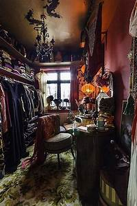 30  Frightening Witch Home Interior Decoration Ideas For Halloween In 2020