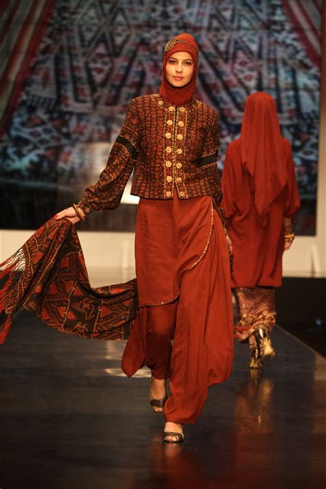 muslim women fashions muslim fashion indonesia fashion week