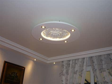 spot eclairage cuisine faux plafond nouveau modèle en plâtre decoration plafond