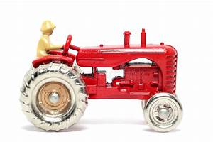 Id Auto Massy : old toy car massey harris tractor stock photo image of collecting classic 1973306 ~ Gottalentnigeria.com Avis de Voitures