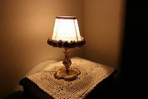 Schlafzimmer Lampen Landhausstil : nachttischleuchten landhausstil gem tliche lampen f r das schlafzimmer ~ Indierocktalk.com Haus und Dekorationen