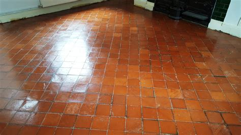 quarry tile flooring tile cleaning restoring quarry tiles covered in cement screed