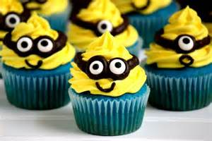 Ideas For Decorating Halloween Cupcakes by Minion Cupcakes Big Bear S Wife