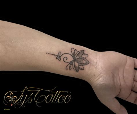 tatouage fleur minimaliste sensationnel tatouage avant