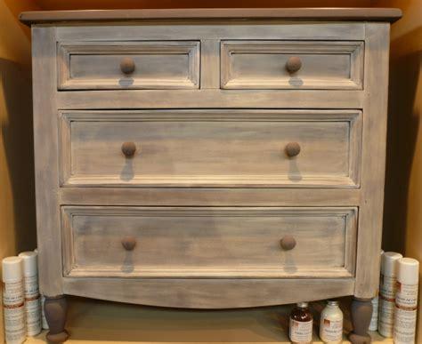 peinture pour meuble vernis