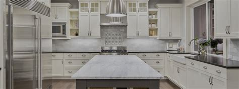 armoire de cuisine thermoplastique ou polyester fabrique plus armoires et comptoirs de cuisine