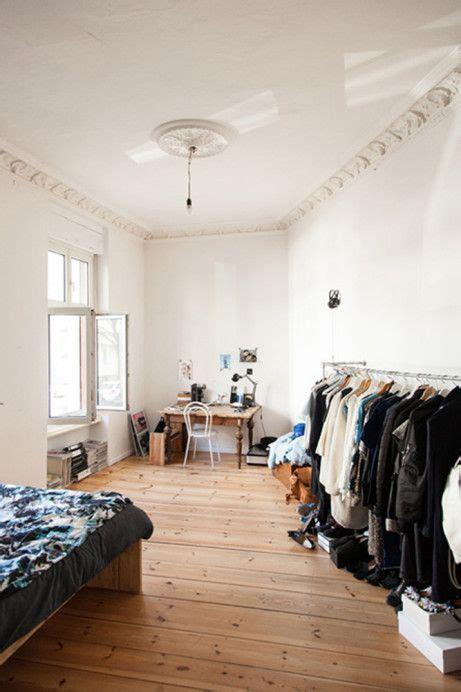 freunde freunden berlin freunde freunden viviane hausstein stylist fashion designer apartment neighborhood