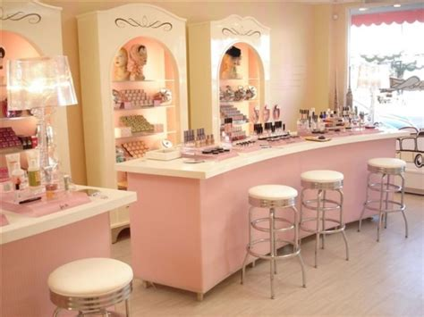 Beauty Salon Window Display Ideas