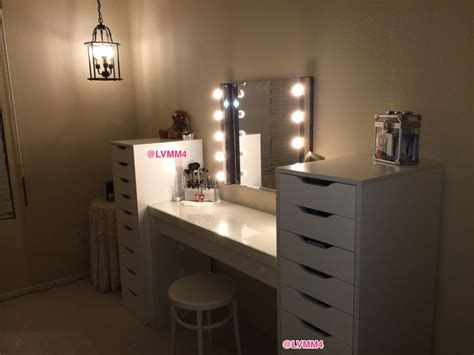 Vanity Table With Lights by 17 Best Images About Vanity Table Inspiration On