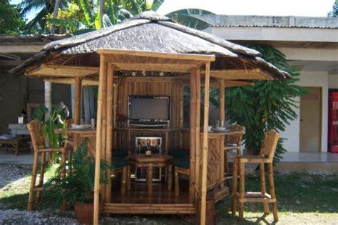 4 Essentials For Setting Up A Backyard Bar