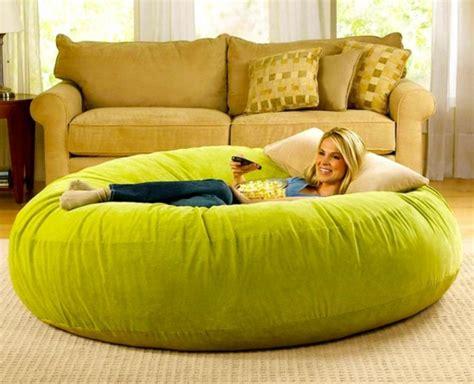 gros coussin pour canape le pouf géant un coussin de sol amusant et confortable