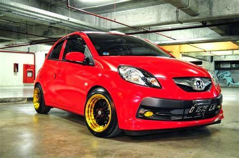 Honda Brio Modifikasi by Modifikasi Honda Brio Satya Putih Hitam Merah Sport