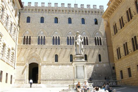 Dei Paschi Di Siena 陲隶霍雹 Monte Dei Paschi Di Siena Siena Italy Jpg