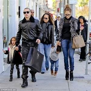Jennifer Lopez goes into shopping overdrive in Beverly ...