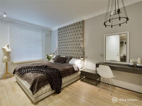houses with 4 bedrooms eklektyczna sypialnia z toaletką architektura wnętrza