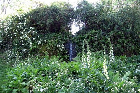 Calming Garden Paradise by Paradise Found Designer Dan Pearson S Modern Garden For A