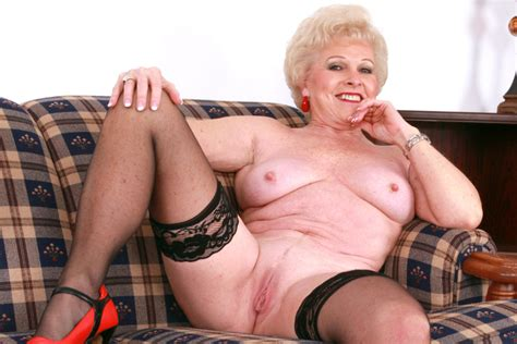 Mrs. Jewell & Ram in My Friend's Hot Mom - Naughty America HD Porn Videos
