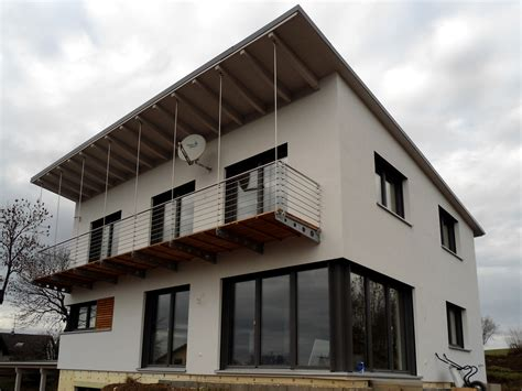 Moderne Häuser Balkon by Einfamilienhaus Modern Holzhaus Pultdach Modern Balkon