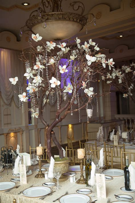 tall  dramatic wedding centerpieces preowned