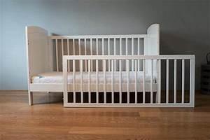Babybett Holz Weiß : kinderbett holz weiss gitterbett 70x140 in m nchen wiegen babybetten reisebetten kaufen und ~ Whattoseeinmadrid.com Haus und Dekorationen