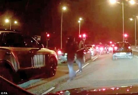 Thugs Pounce On A Bentley In Greater Manchester