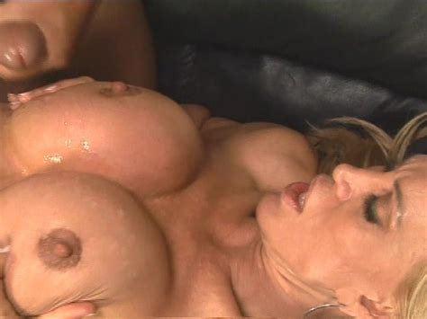 Hot Blonde Teaches The Art Of Eating Pussy Pt 22 Free