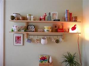 Kleines Regal Küche : kleines regal f r die k che k che ~ Whattoseeinmadrid.com Haus und Dekorationen