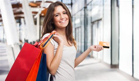 6 Credit Card Spending Tips For The Holidays