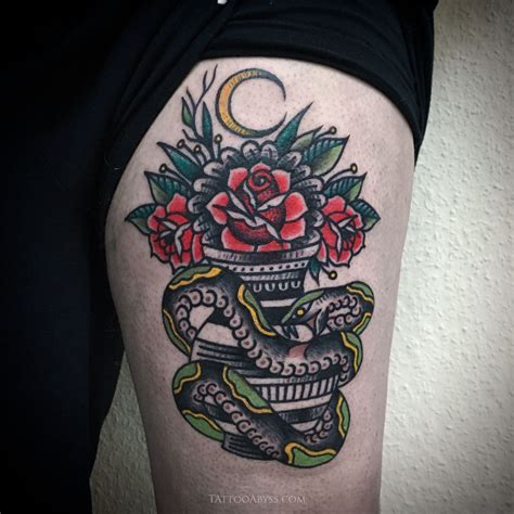 tatouage traditionnel rose  serpent tattoo abyss