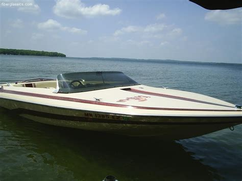 Carlson Boats by Ads Boats 1984 Glastron Carlson 18