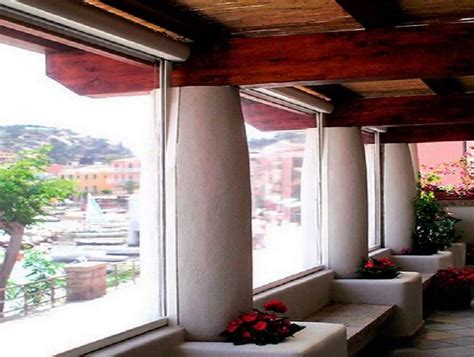 Chiusure Terrazzi In Pvc by Chiusure Per Esterni In Pvc Per Balconi Verande Porticati Bar