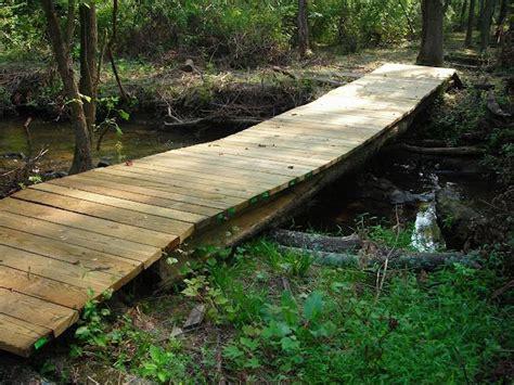 pond creek bridge  simple  flat   home