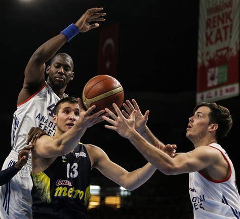Efes, 2009 yılında yine fenerbahçe'yi geçerek şampiyon olmuştu. Anadolu Efes - Fenerbahçe karşılaşması | NTV