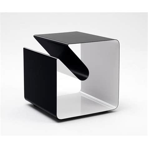 table bout de canapé design table de chevet bout de canapé avec porte magazine v44