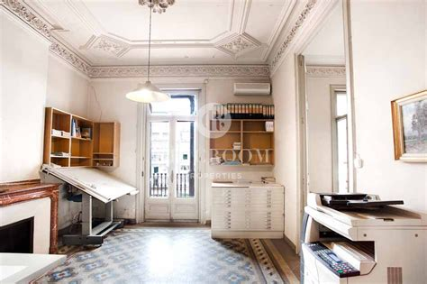 Chic Apartment In Barcelona's L'Eixample District : Chicroom Properties Barcelona