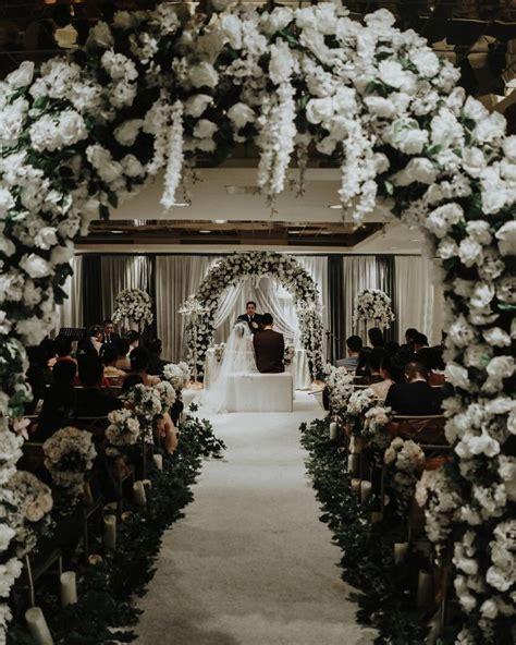 dekorasi pernikahan elegan ala seleb indonesia